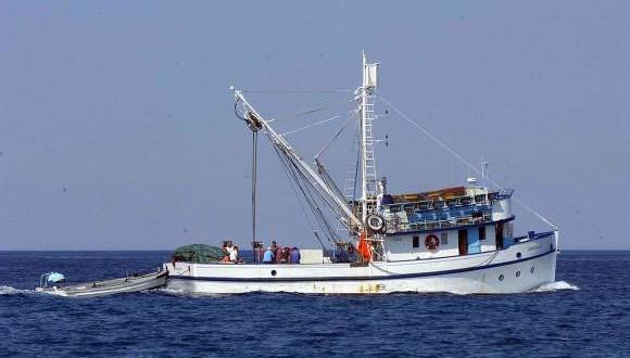Objavljen Pravilnik o prostornom i vremenskom ograničenju obavljanja gospodarskog ribolova na moru pridnenom povlačnom mrežom koćom u 2020.